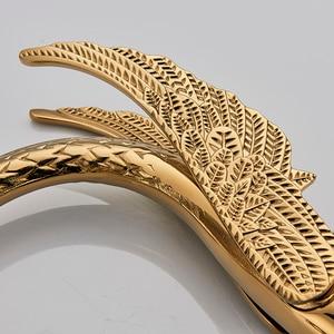 Image 3 - Роскошный кран для раковины в форме золотого лебедя с двойной хрустальной ручкой, смеситель для ванной комнаты с широким штативом, метчик с клапаном