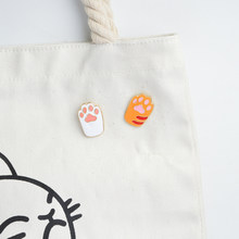 Orange, Putih, Hitam, Abu-abu Paw Enamel pin Bros Lencana Kerah pin Aksesoris Perhiasan Paw Denim Jaket Jeans(China)