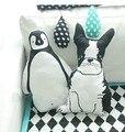 Favorecer Blanco niño Perro Negro Pingüino Forma de Algodón Almohada Del Bebé Kid Encantadora Cojines Decoración Del Hogar Regalos de Cumpleaños Almohada 1 unids
