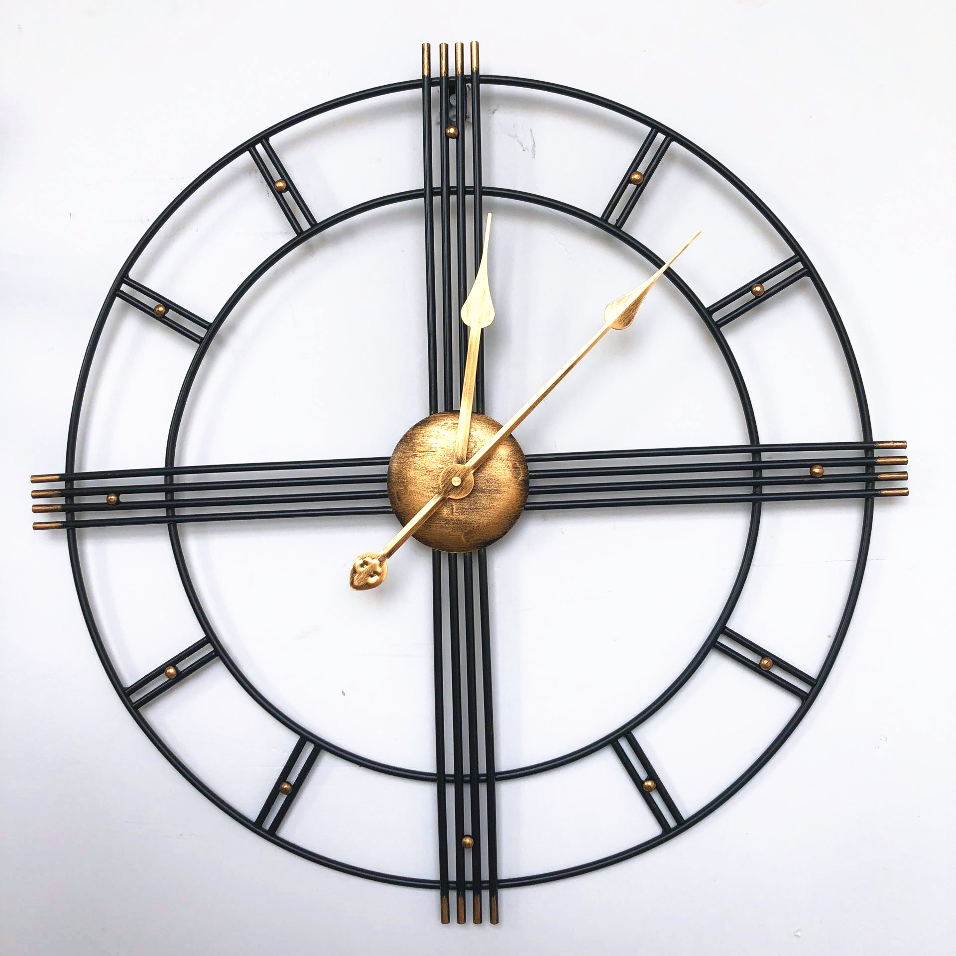 60cm Nordic Creative Retro Metal Wrought Iron Roman Clock Wall Clock Modern Design Living Room Silent Decorative Quartz Clock image