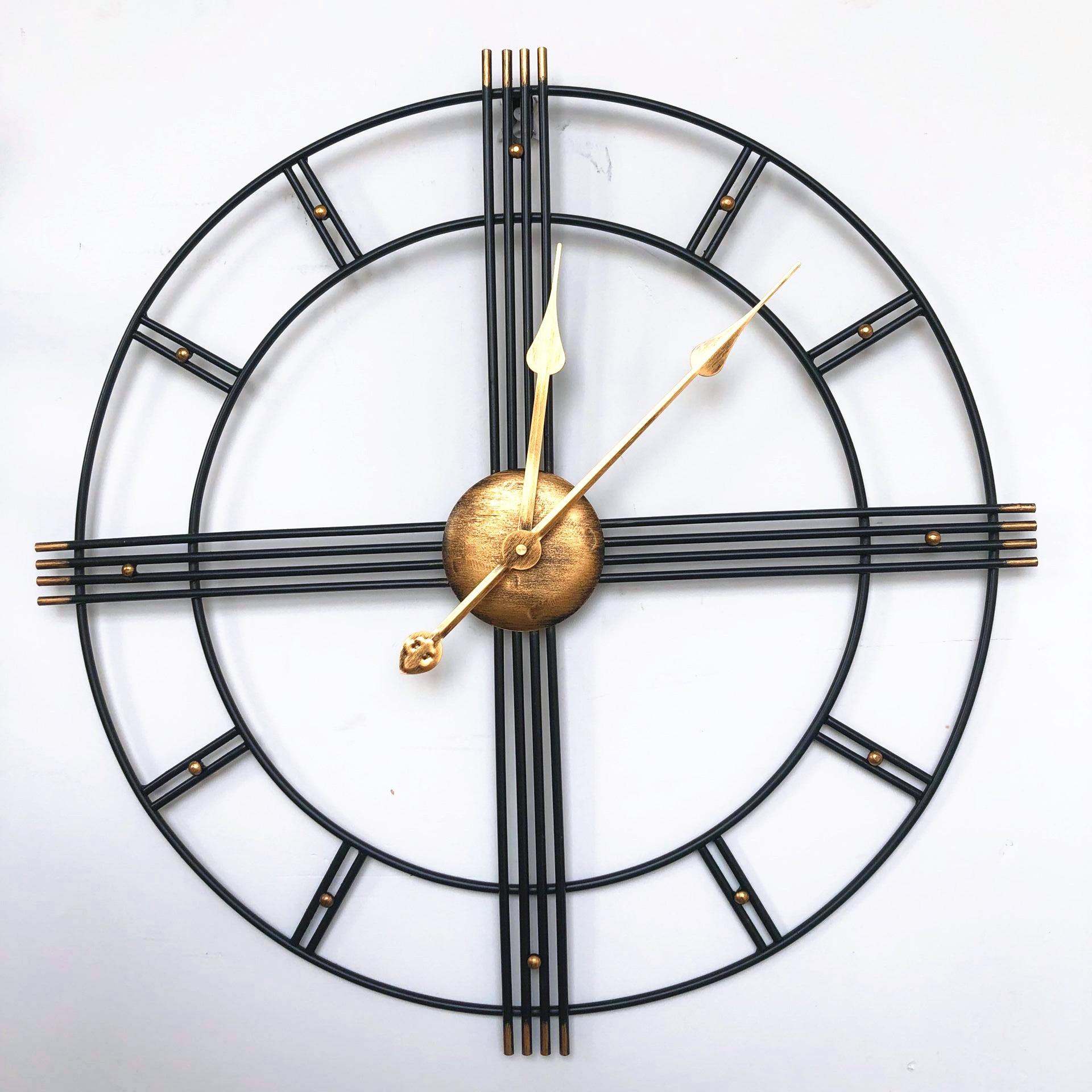 60cm Nordic Creative Retro Metal Wrought Iron Roman Clock Wall Clock Modern Design Living Room Silent Decorative Quartz Clock