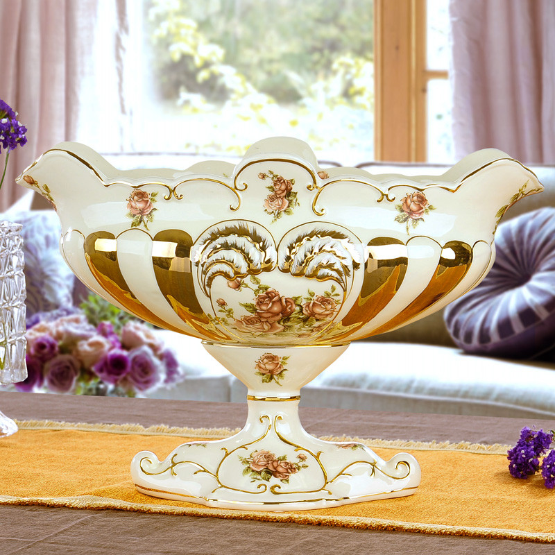 Fashion classical ceramic fruit plate fruit bowl living for Decoration pieces for dining table