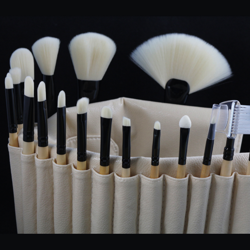 Professional Makeup Brushes Set 18pcs Soft Powder Foundation Blush Bronzer Eyeshadow Lipgloss Beauty Brushes Kit with Case