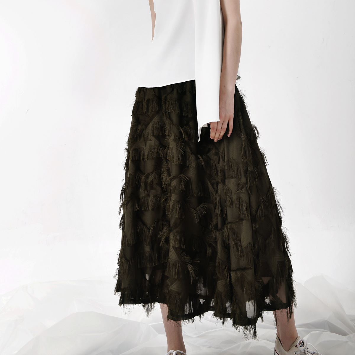 2018 Elastic woman skirts long Elastic Elegant Fringes Saias Longas Casuais Faldas Mujer Falda Saias Na Altura Do Joelho