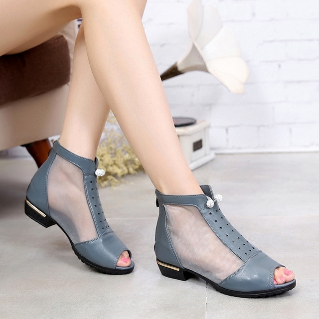 2017 spring and summer new leather fish mouth shoes in the low-heeled shoes shoes hollow hollow sandals flat sandals