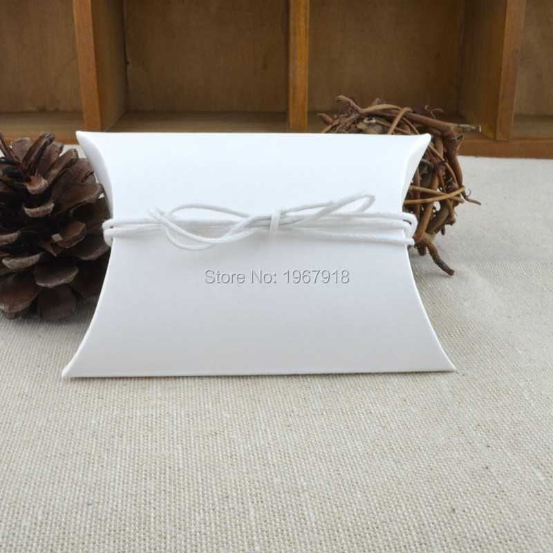 50pcs White/Kraft Pillow Candy Box With jute ribbon Rustic Wedding Favors Gifts Wedding Souvenirs baby shower gifts for guests