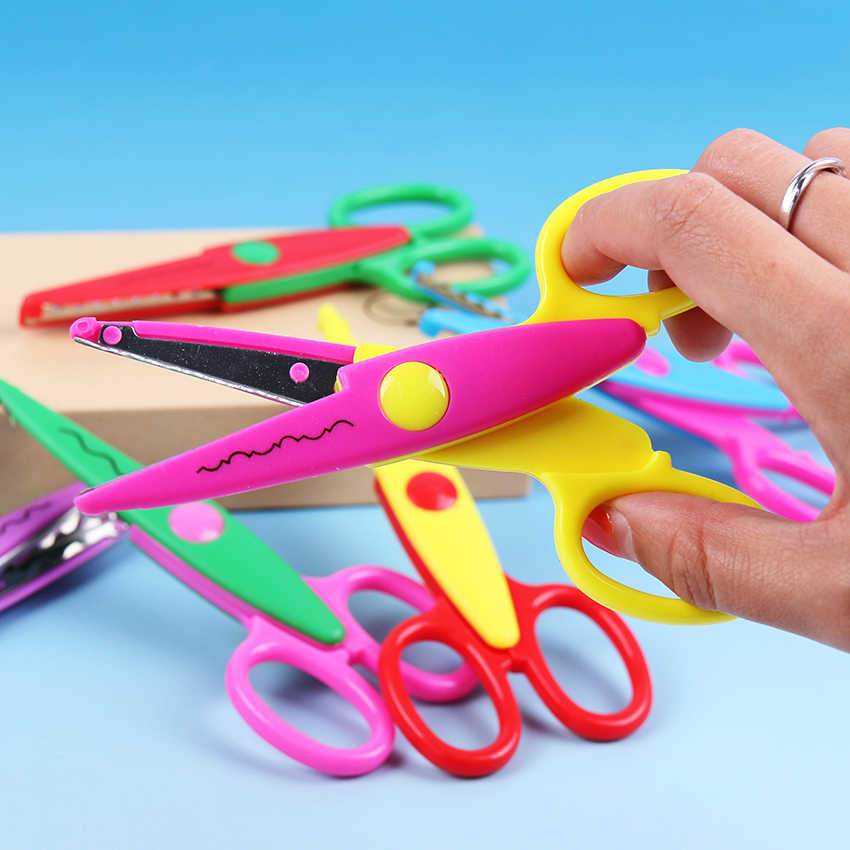 1PC Kids Laciness Scissors Metal and Plastic DIY Scrapbooking Photo Colors Scissors Paper Lace Diary Decoration with 6 Patterns