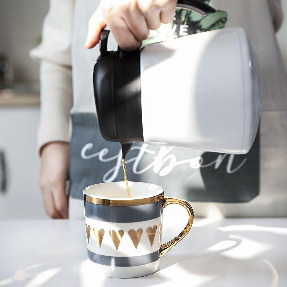 Nordique Mini café isolation bouilloire maison pressurisée en acier inoxydable bureau bouilloire chaude dortoir petite bouilloire chaude cruche d'eau