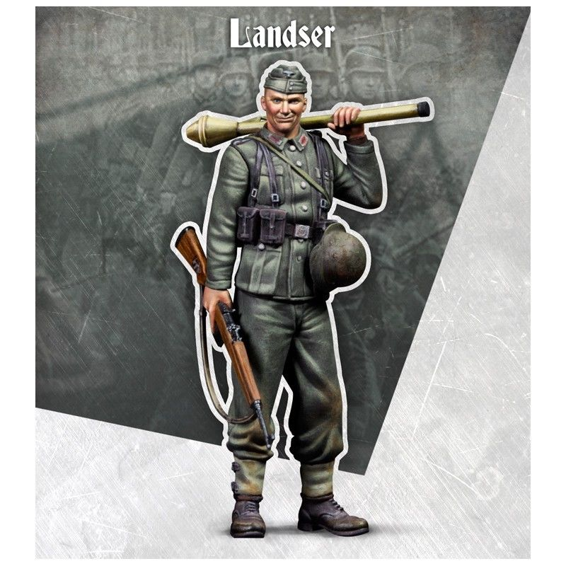 Assembly Unpainted Scale 1/35 WWII Land soldier with winter standing Historical toy Resin Model Miniature Kit