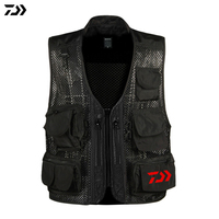 2019 Men Summer DAIWA DAWA Outdoor Sports Fishing Vest Multi Pocket Fishing Vest Zippers Breathable Quick drying Jacket