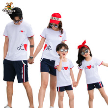 Family Look 2020 Summer Style T-shirt Short Pnats LOVE Mother Daughter Clothes Family Matching Outfits Father Son Clothing Set family look clothing 2020 summer mother daughter dress family matching outfits father son t shirt short pants clothes set
