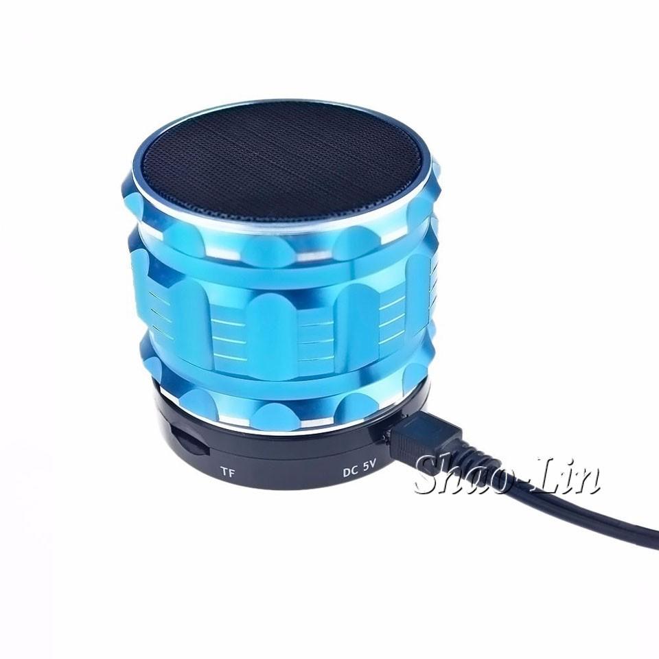 2015-Portable-Mini-Bluetooth-Speakers-Metal-Steel-Wireless-Smart-Hands-Free-Speaker-With-FM-Radio-Support-4