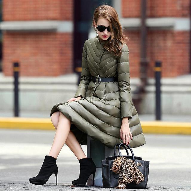 Saia estilo das mulheres por atacado 90% de pato para baixo casaco mais grosso casaco de marca Europeia de moda manter aquecido no frio w1807