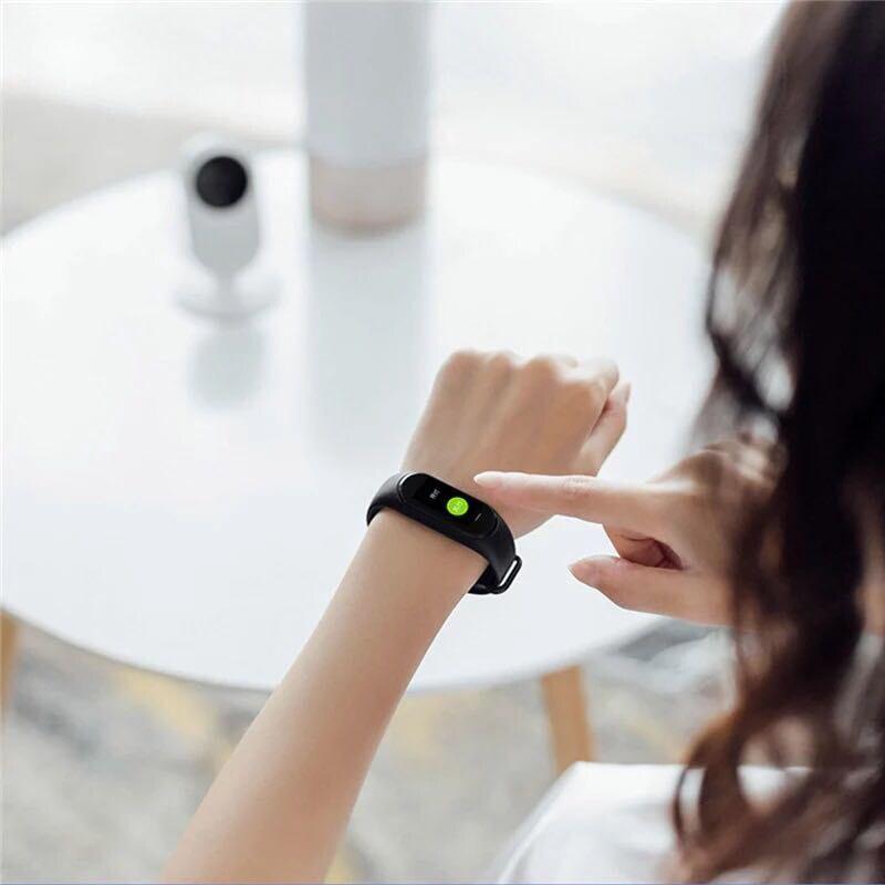 Version russe Xiaomi Hey Plus Smartband 0.95 pouces AMOLED couleur écran intégré multifonction NFC moniteur de fréquence cardiaque montre intelligente - 5