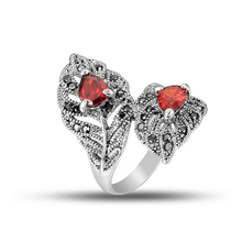 Hot Vintage Ring For Women Red cubic zirconia Elegant Jewelry Leaves Black Rhinestone Party Gifts Accessories 2019 New