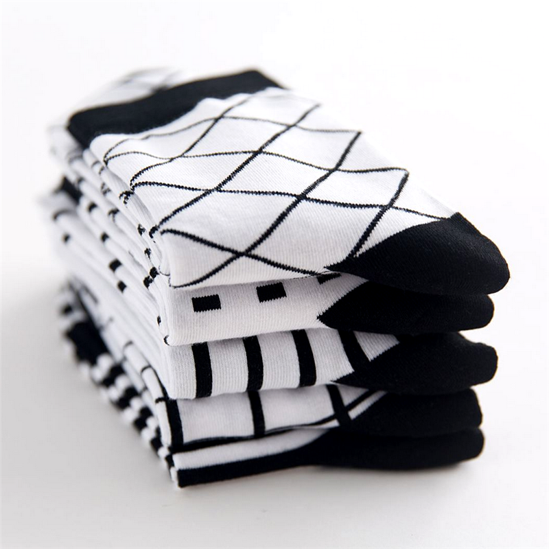 High Quality Black And White Style Cotton Socks New Casual Summer Thin Section Black / White Socks Deodorant Breathable