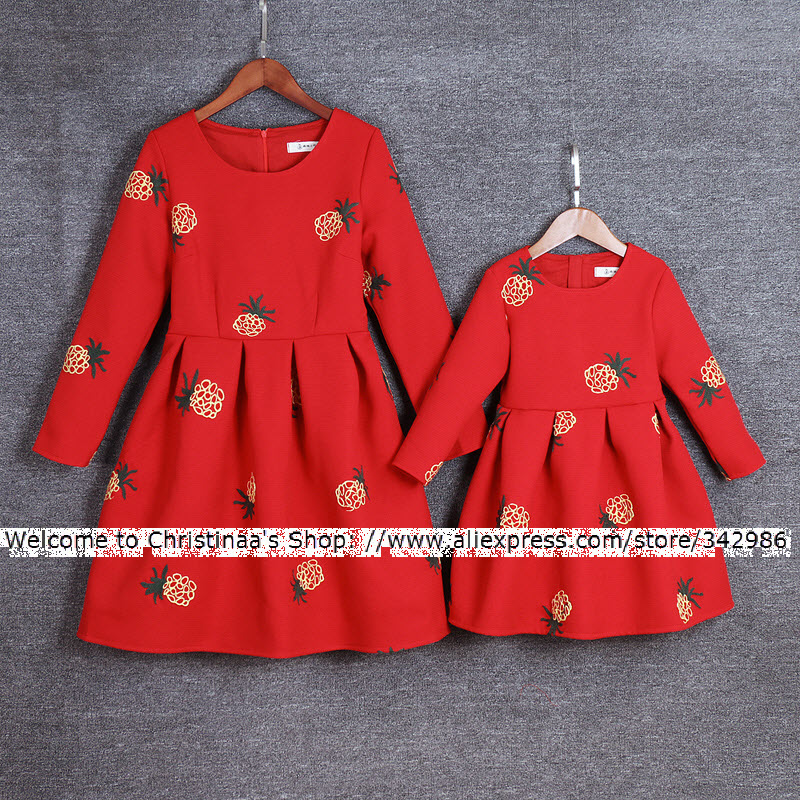 2018 Winter Children clothing Family fitted Clothes Lady Mother Mom Daughter Girls Dresses Pleated skirt embroidery pineapple все цены