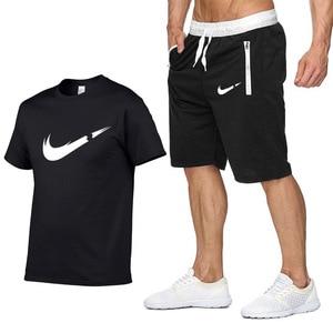 اثنين من قطعة مجموعة الرجال قصير كم T قميص اقتصاص أعلى + السراويل الرجال رياضية 2019 جديد السببية الرياضية قمم بنطال قصير