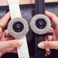 Роскошный чехол с бриллиантами, женские кварцевые уникальные наручные часы, круглые повседневные женские нарядные часы с силиконовым реме...