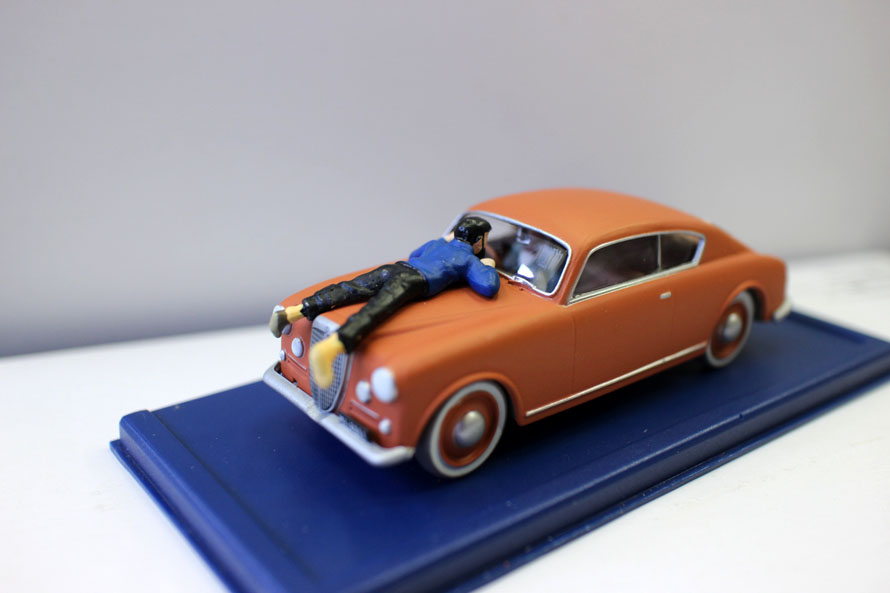1/43 Model  AdventuresToy Car TINTIN Car Model Toy