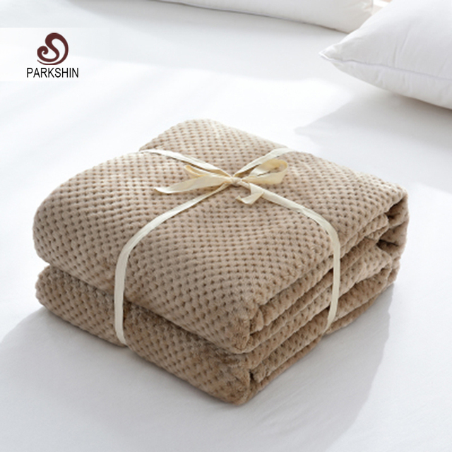 Parkshin Modern Khaki Flannel Pineapple Blanket Aircraft Sofa Office Adult Blanket Car Travel Cover Throw Blanket For Couch