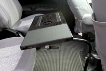 מלא תנועה 360 תואר סיבוב רכב הר סטנד שולחן אוכל רכב שולחן כתיבה לוח מחברת Tablet PC מחזיק עם USB מאוורר