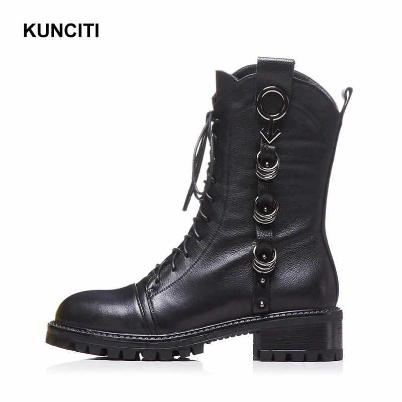 2019 KUNCITI marka yarım çizmeler kadınlar için hakiki deri moda motosiklet ayakkabı Metal dekorasyon kış sıcak kar botları D558