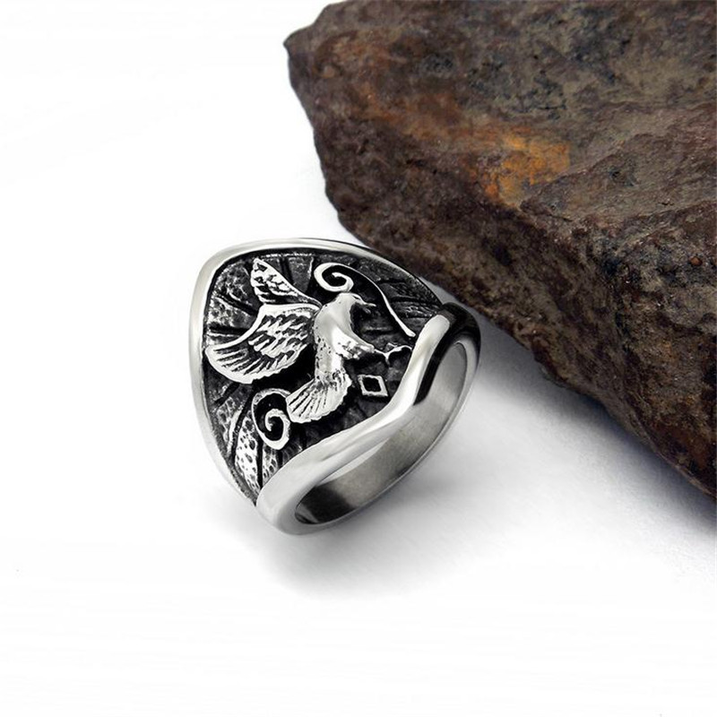 2017 New Unique Class Rings For Man Cameo Flying Eagle Mens