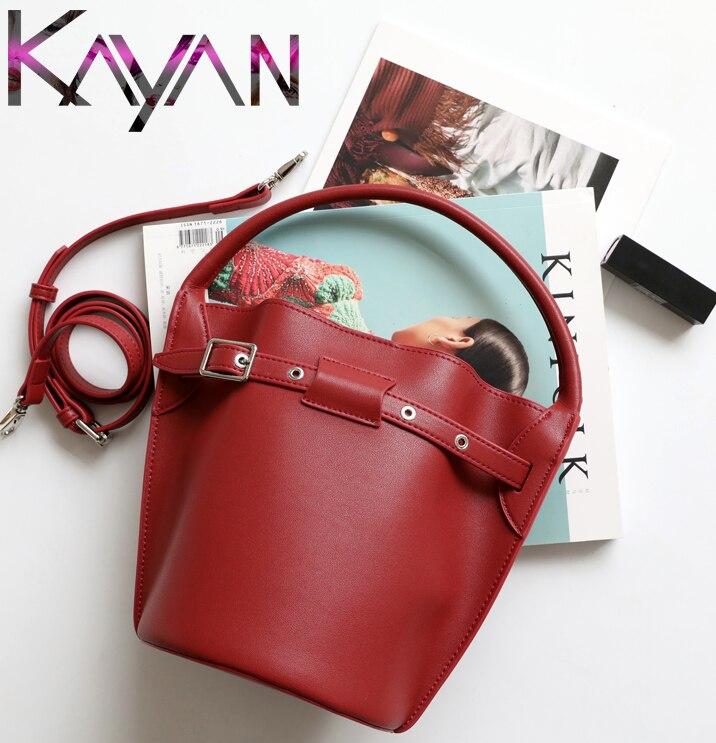 Estilo simples Mulheres Bucket Bag Mini Bolsa 2019 Das Mulheres Saco de Couro Real Para Crossbody Com Cinta Larga
