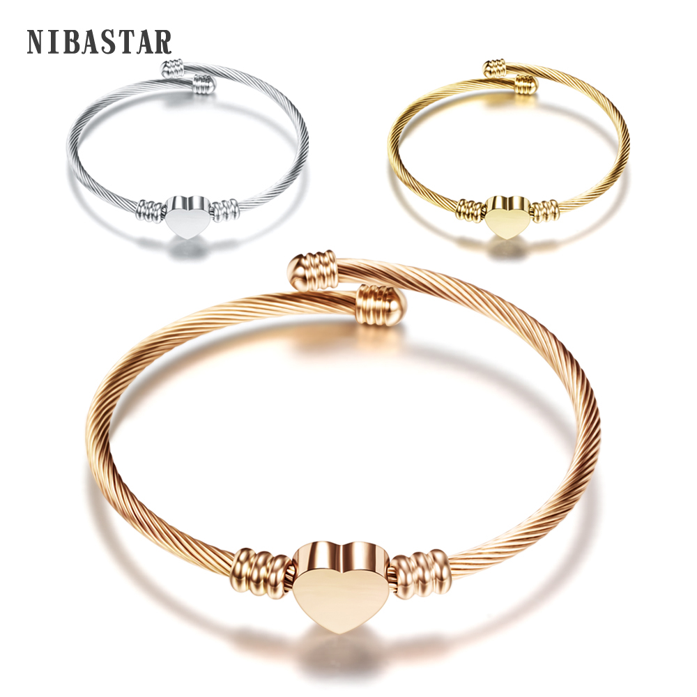Fashion Wanita Bangle dengan 3Colors Emas / Rose Gold / Perak Disepuh Kawat Kabel Jantung Charm Bangle