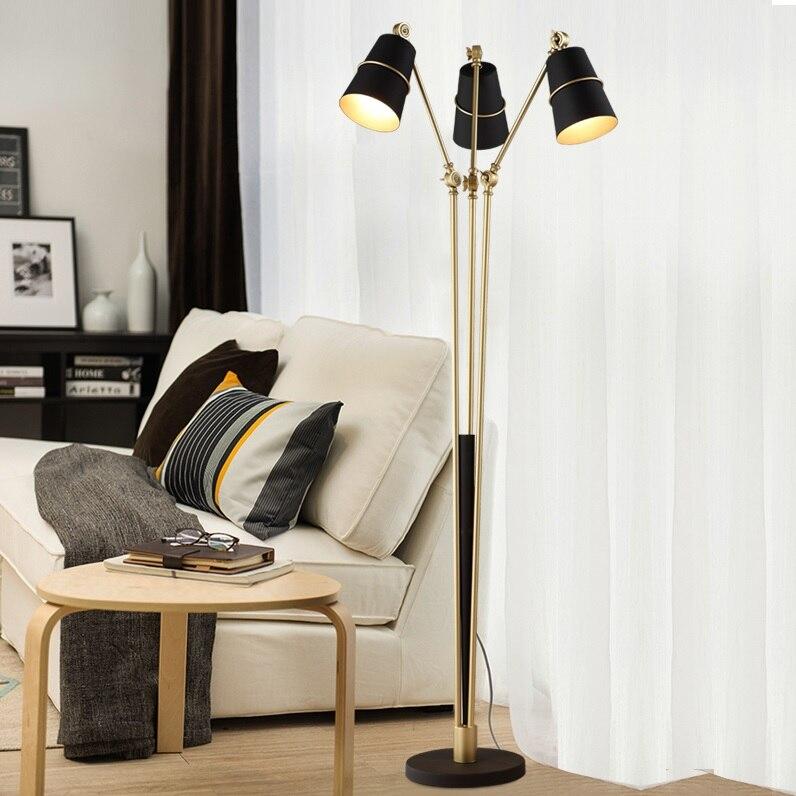 Task торшер с 3 лампами в золотистом/розовом Золотой стержень и Полированная Металлическая основа