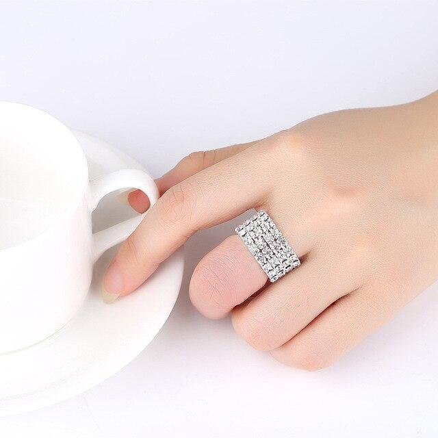 4 PZ di Lusso Da Sposa Set di Gioielli Da Sposa per Le Spose Donne del Braccialetto Della Collana Dell'anello Dell'orecchino Set Corda Elastica di Cristallo D'argento Dei Monili