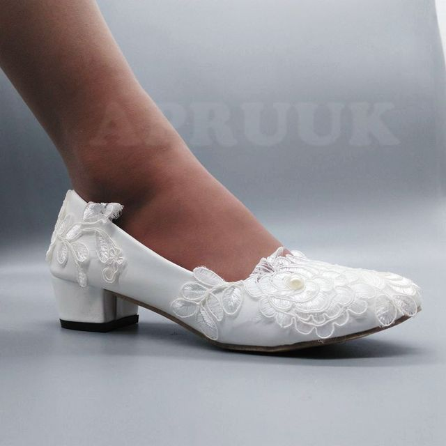 Handmade block low middle heel white lace wedding shoes bride slip on round  toes comfortable bridal brides party shoes 55e66d399311