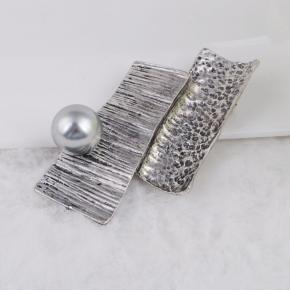 Brooches-00036 (11)