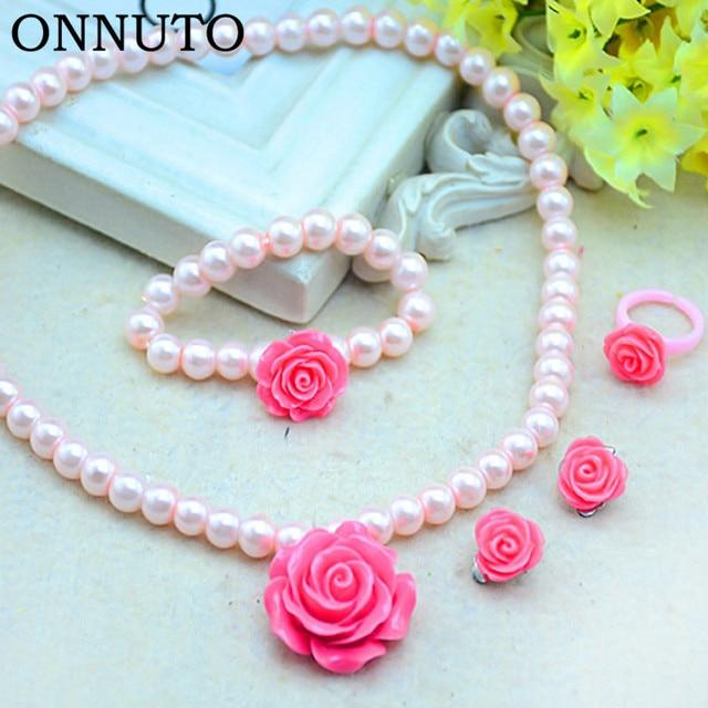 4ced54a89f86 € 1.83 25% de DESCUENTO 3 unids/set collares + pulseras + anillos niñas  niños conjuntos de joyas imitación perlas cuentas flor lindo colgante ...