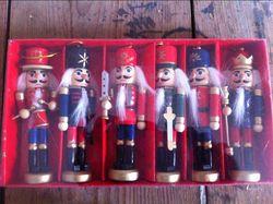Zestaw 6 szt 12CM dziadek do orzechów lalek żołnierzy prezent urodzinowy do Zakka dekoracje barowe żołnierz lalek prezent urodzinowy|Figurki i miniatury|Dom i ogród -