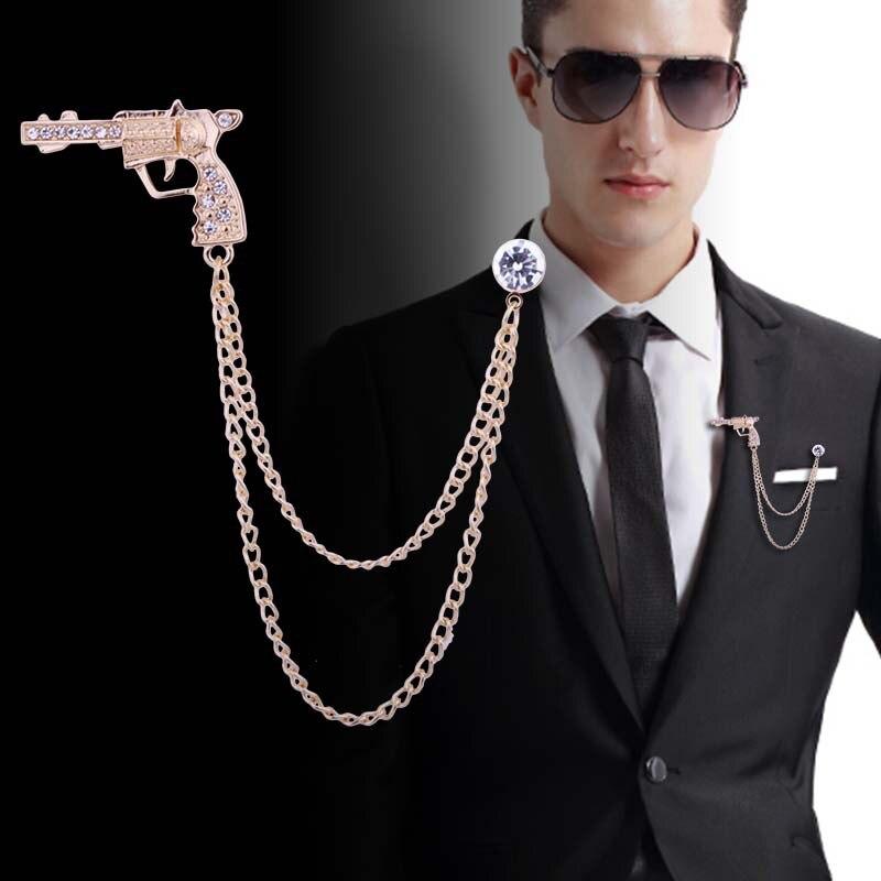 Fashion New Pistol Men Rhinestone Gold Brooch with Chain Tassel Gun Brooches Pin Brooch Metal Lapel Pins Men Accessories Jewelry