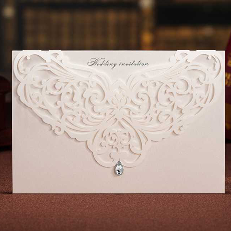 Tri-Folding Red White Laser Cut Lace Wedding Invitations Lot Paper Blank Printing Invitation Cards Kit Post Greeting casamento design laser cut lace flower bird gold wedding invitations kit paper blank convite casamento printing invitation card invite