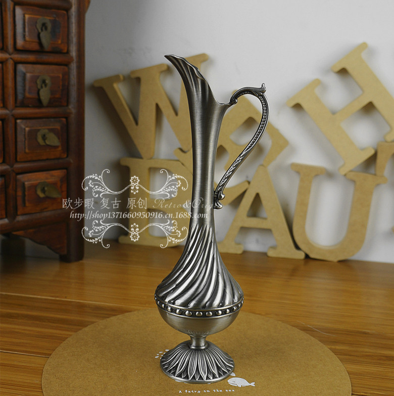 European Gothic Retro Metal Craft Vase Home Furnishing Small
