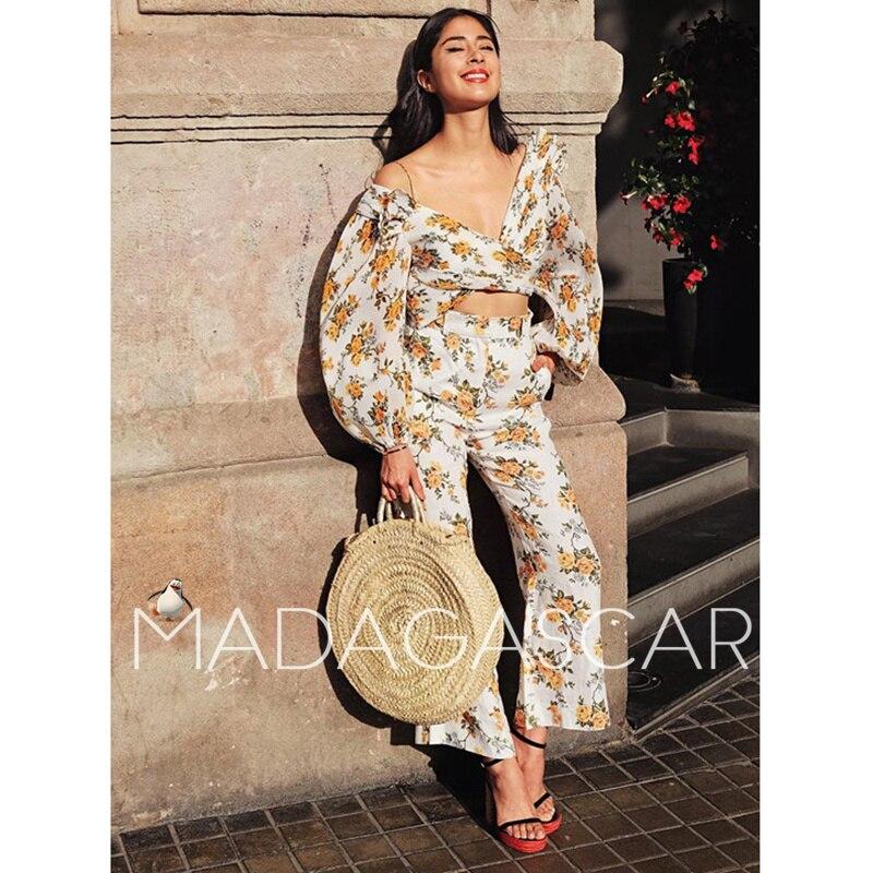 Женская одежда в уличном стиле, пикантная плиссированная блузка с v-образным вырезом и цветочным принтом золотистого цвета, посылка с длинн...