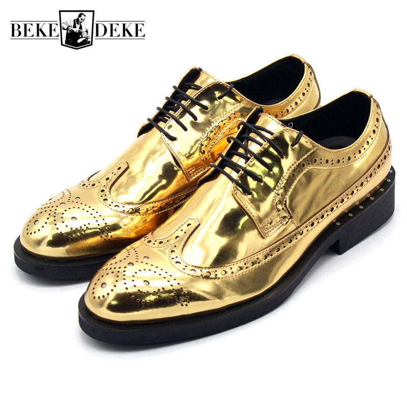 Runway Golden Mens Wedding Dress Shoes Lace Up Wing Tip Brogue Shoes Top Quality Leather Block Heels Office Party Formal SapatosRunway Golden Mens Wedding Dress Shoes Lace Up Wing Tip Brogue Shoes Top Quality Leather Block Heels Office Party Formal Sapatos