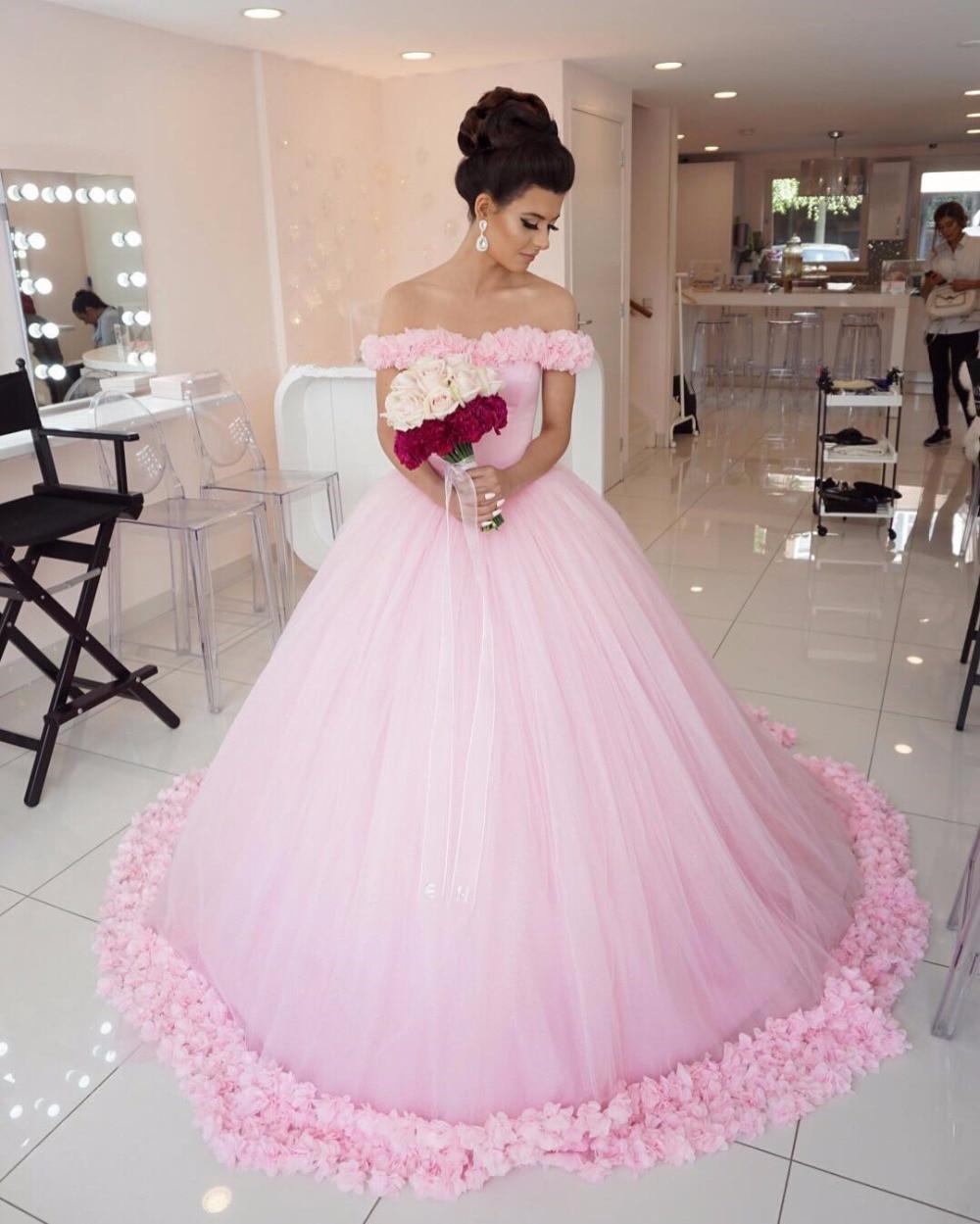 Großartig Rote Und Weiße Hochzeitskleider Fotos - Brautkleider Ideen ...