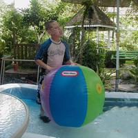 Inflatable Water Spoon Outdoor Game Water Ball Summer Water Spray Beach Ball Lawn Playing Ball Children