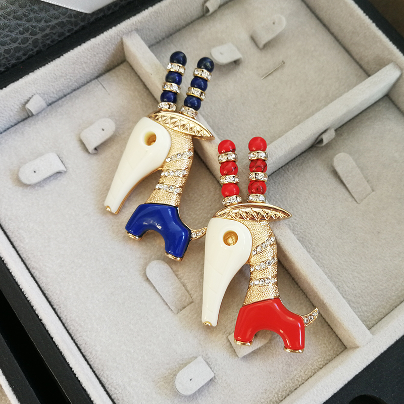 Vanssey Vintage Fashion Giraffe Animal Handmade Resin Rhinestone Brooch Pin Wedding Party Accessories for Women 2018 New