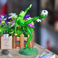 Free Shipping Funny Football Player Frog Figures Resin Toys Cake Car Office Desk Home Decoration Party