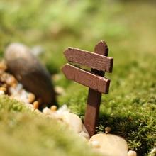 10 Pcs DIY Artificial Miniature Fingerpost Wood Crafts Colorful Street Sign Garden Tools Crafts Making Signpost Art Gift