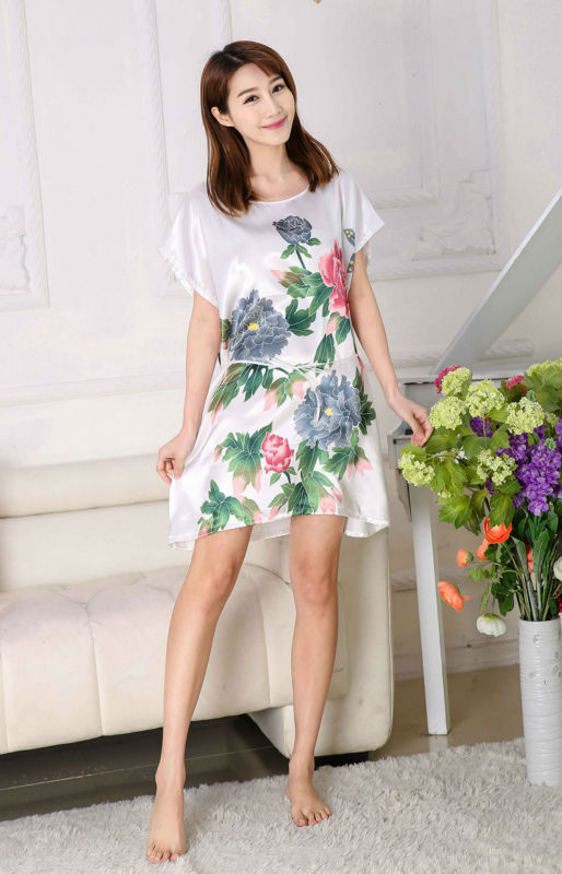 2017 Free Shipping sleepwear lovely princess leisurewear sleepdress women   nightgown     sleepshirt   nightwear AW7101