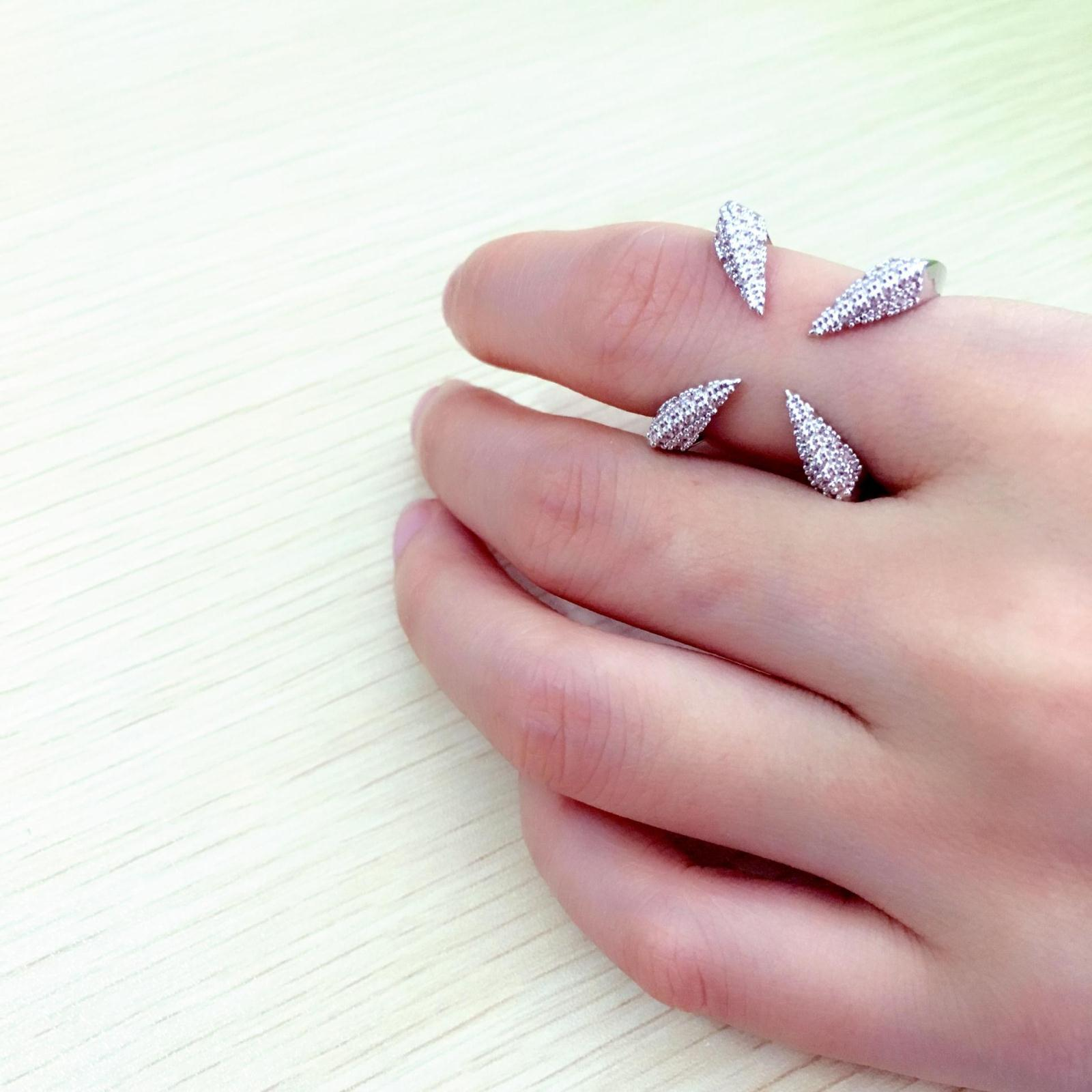 Inspirational Wedding Ring On Index Finger   Wedding