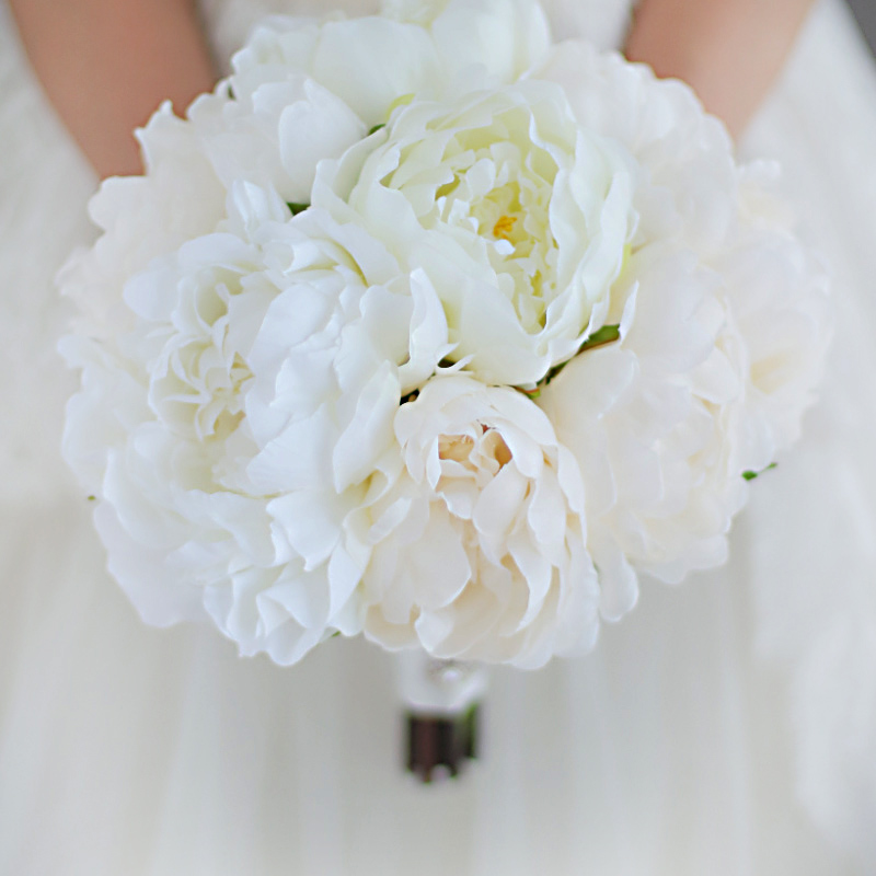 IFFO custom simulation white peony bride wedding accessories hand holding flowers beautiful fresh feeling pure color DIY decor