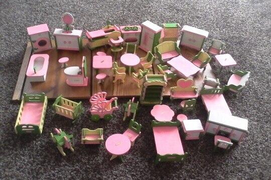 Móveis de brinquedos